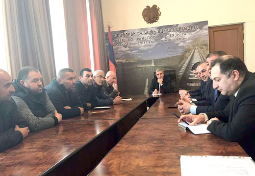 Վահան Մարտիրոսյանը լսել է տաքսու վարորդների դժգոհությունները