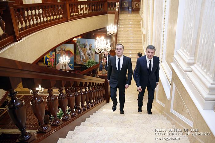 Մոսկվայում հանդիպել են Դմիտրի Մեդվեդևն ու Կարեն Կարապետյանը