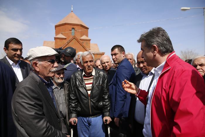Վարչապետն աշխատանքային այցով եղել է Արմավիրի և Արագածոտնի մարզերում
