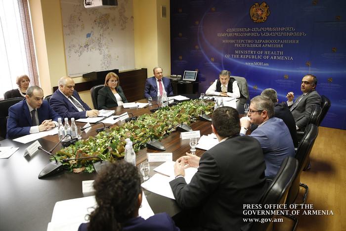 Կարեն Կարապետյան. մի քանի կլինիկա պետք է փորձենք տալ կառավարման միջազգային օպերատորի