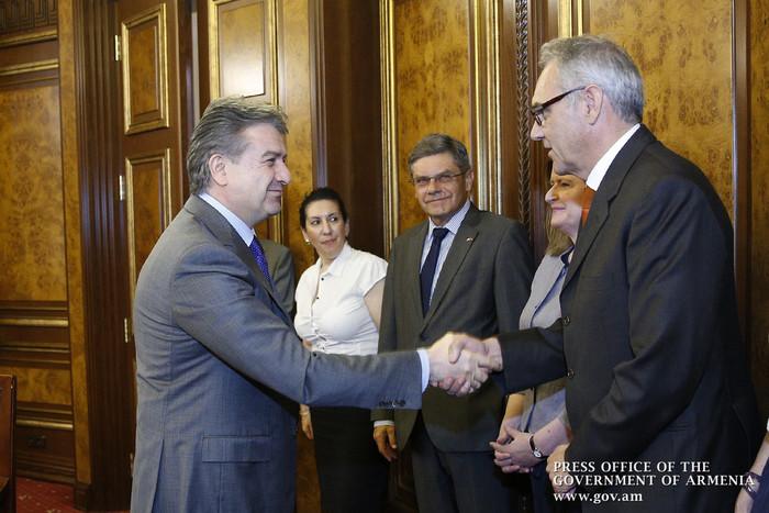 Կարեն Կարապետյանն ընդունել է ՀՀ-ում հավատարմագրված ԵՄ դեսպաններին