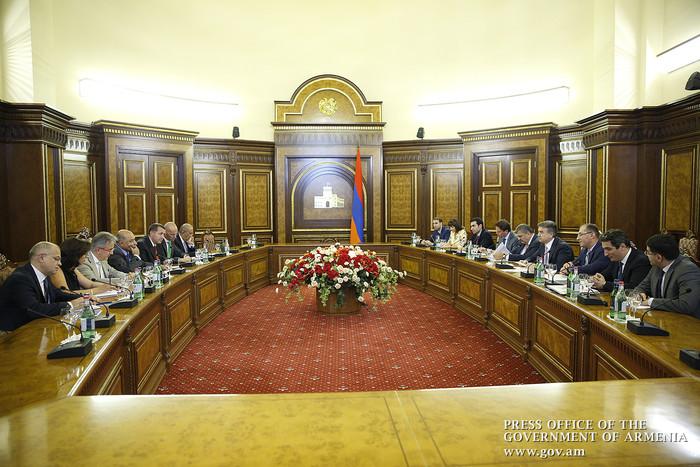Կարեն Կարապետյանն ընդունել է ՎԶԵԲ նախագահի գլխավորած պատվիրակությանը