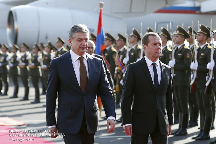 Պաշտոնական այցով Հայաստան է ժամանել Ռուսաստանի Դաշնության վարչապետ Դմիտրի Մեդվեդևը