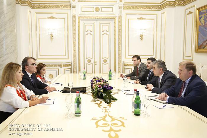 Վարչապետն ու Հայաստանում Շվեյցարիայի դեսպանը քննարկել են երկկողմ տնտեսական համագործակցության զարգացմանը վերաբերող հարցեր