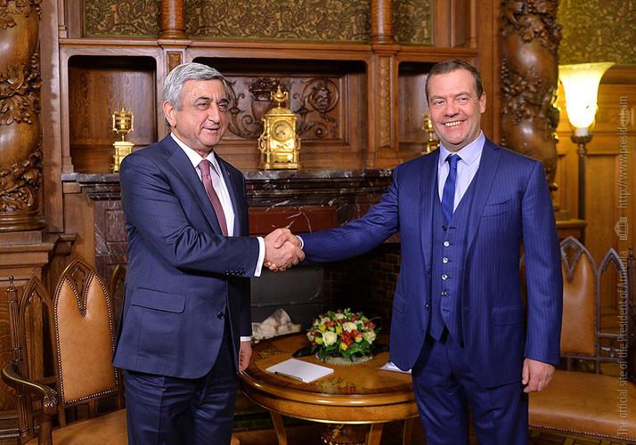 Հանդիպել են Սերժ Սարգսյանը և Դմիտրի Մեդվեդևը