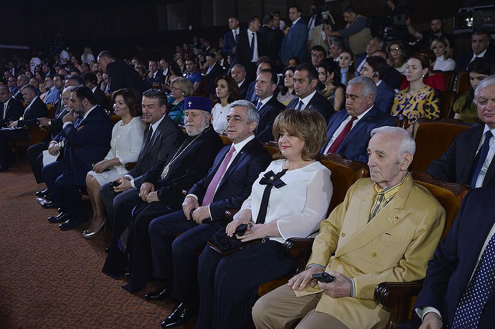 Նախագահ Սերժ Սարգսյանը ներկա է գտնվել «Ավրորա» մրցանակի շնորհման արարողությանը