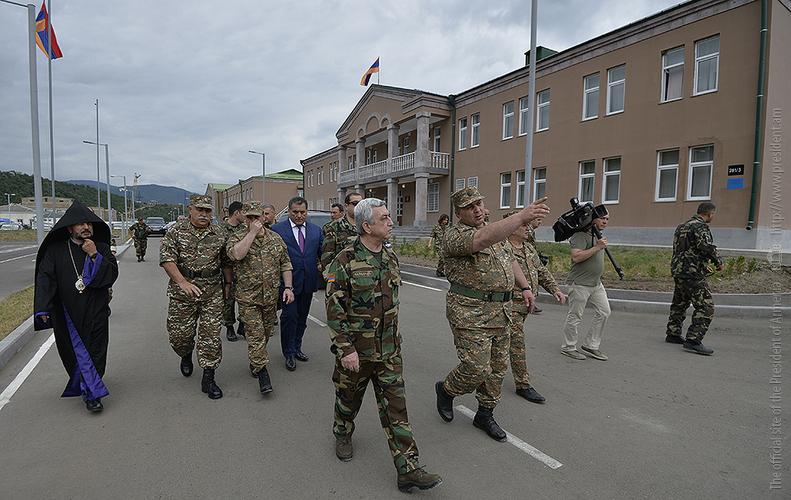 Սերժ Սարգսյանը մասնակցել է Իջևանում տեղակայված զորամասի նոր մշտական տեղակայման վայրի բացման հանդիսավոր արարողությանը
