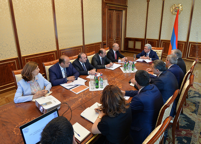 Սերժ Սարգսյանը խորհրդակցություն է անցկացրել հայ-հնդկական տնտեսական համագործակցության օրակարգի հարցերի շուրջ
