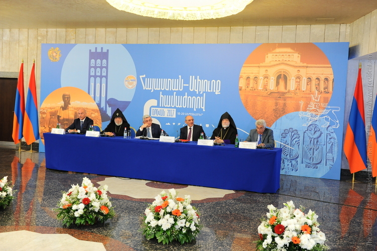 Նախագահ Սերժ Սարգսյանը մասնակցել է Հայաստան-սփյուռք համաժողովի աշխատանքային խմբի խորհրդակցությանը