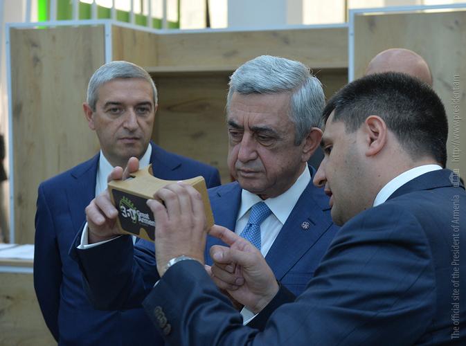 Սերժ Սարգսյանը ներկա է գտնվել «ԴիջիԹեք էքսպո-2017» տեխնոլոգիական ցուցահանդեսի բացմանը