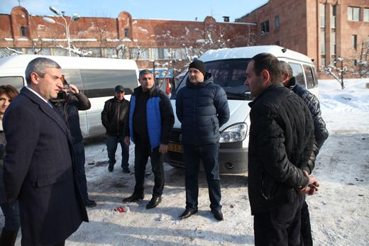 Վահան Մարտիրոսյանը հանձնարարել է խիստ հսկողության տակ առնել ուղևորափոխադրումների չվացուցակները