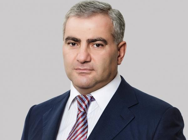 Հրապարակ. Ամուսնանում է Սամվել Կարապետյանի որդին, ընտրյալը հայ է
