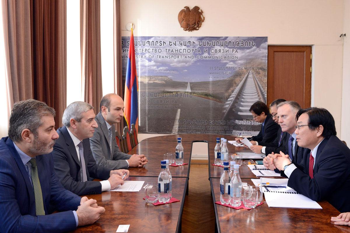 Վահան Մարտիրոսյանն ընդունել է Ասիական զարգացման բանկի փոխնախագահին