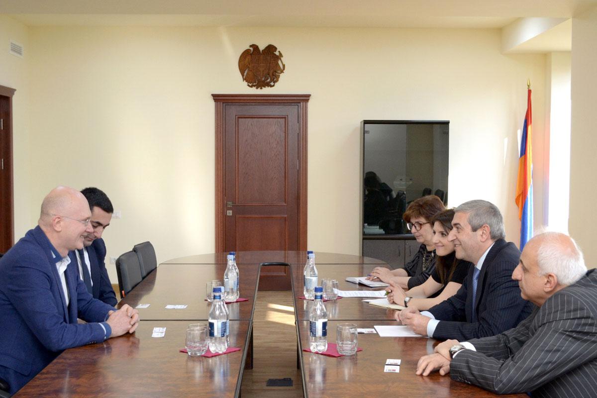 Վահան Մարտիրոսյանը ընդունել է «Softline» ընկերության ներկայացուցիչներին