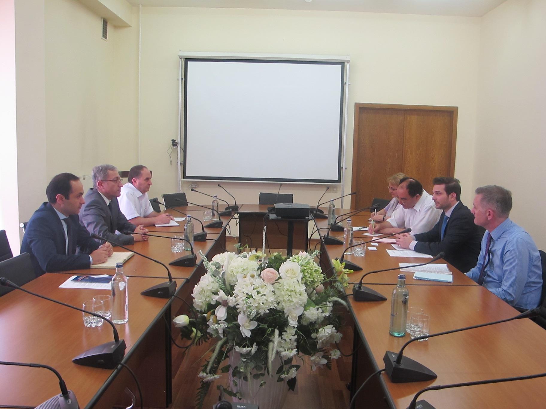 Աշոտ Մանուկյանը Moody's-ի պատվիրակության հետ քննարկել է Հայաստանի սուվերեն վարկանիշի բարելավման խնդիրները