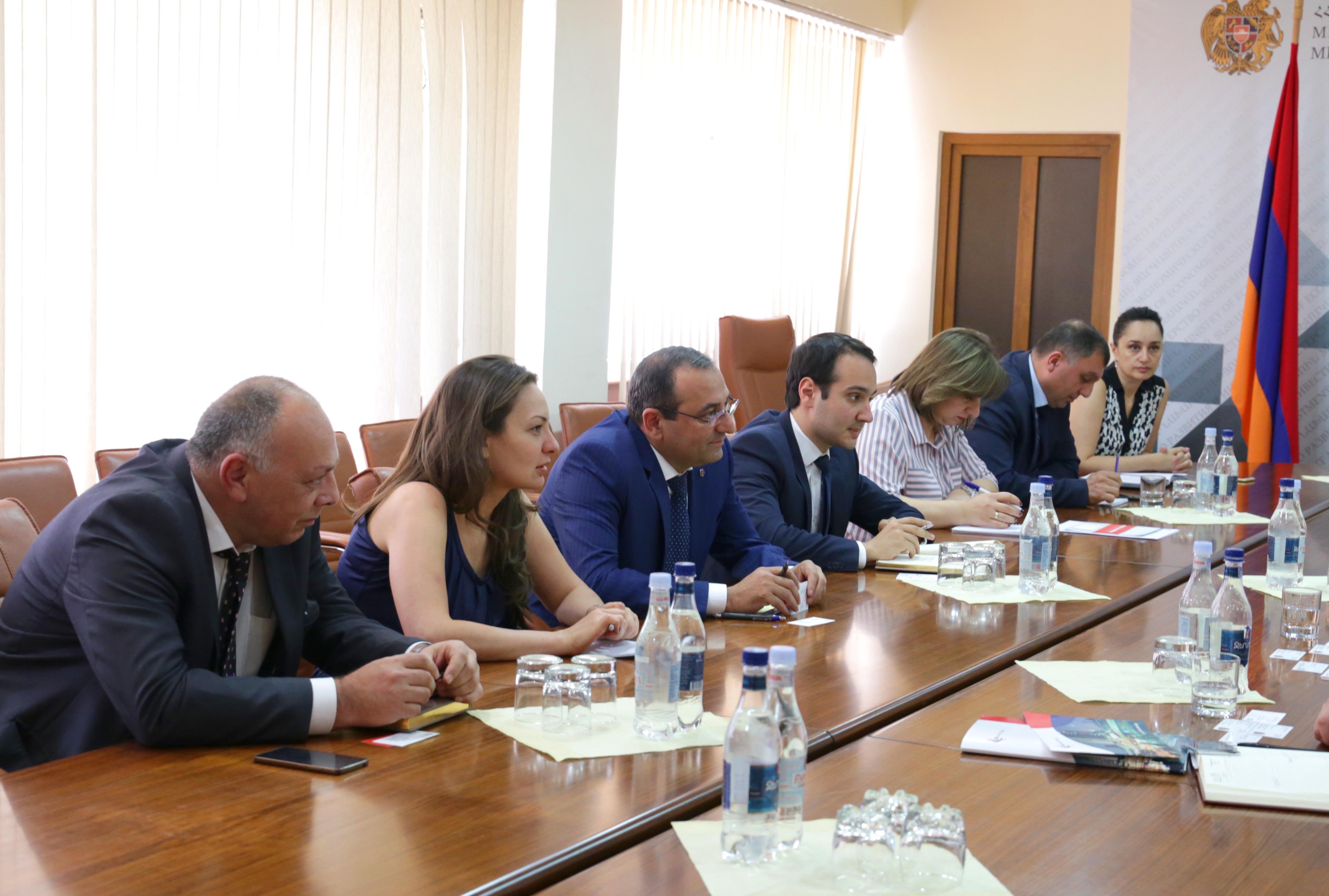 Արծվիկ Մինասյանը հանդիպել է ՀՀ-ում ներդրումներով հետաքրքրված գործարարների հետ