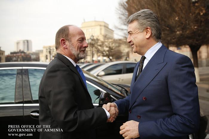 Կարեն Կարապետյանը Դոմինիկ դը Բյումանի հետ քննարկել է հայ-շվեյցարական տնտեսական համագործակցության ուղիները