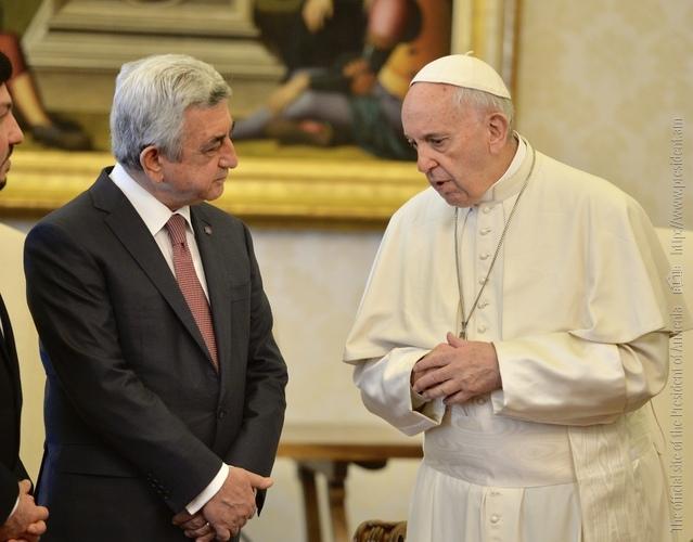 Սերժ Սարգսյանն առանձնազրույց է ունեցել Նորին Սրբություն Հռոմի Պապ Ֆրանցիսկոսի հետ