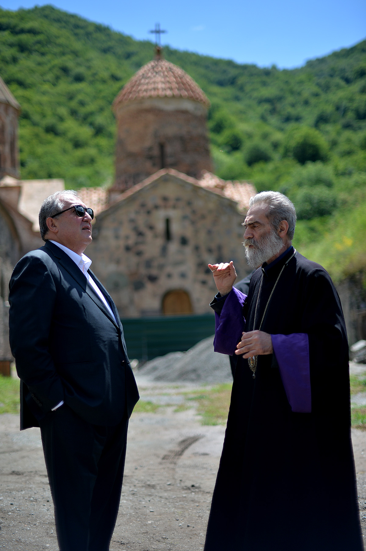 Պարգև արքեպիսկոպոս Մարտիրոսյանի ուղեկցությամբ նախագահն այցելել է Դադիվանք