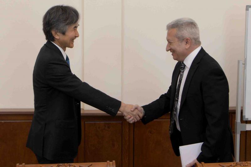 Ատոմ Ջանջուղազյանն ընդունել է ՀՀ-ում Ճապոնիայի արտակարգ և լիազոր դեսպանին