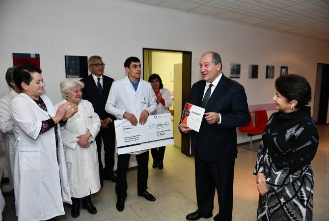 Գյումրիի «Բեռլին» բժշկական կենտրոնը ստացավ նախագահի և Գերմանական Կարմիր խաչի նվիրատվությունների կտրոնները