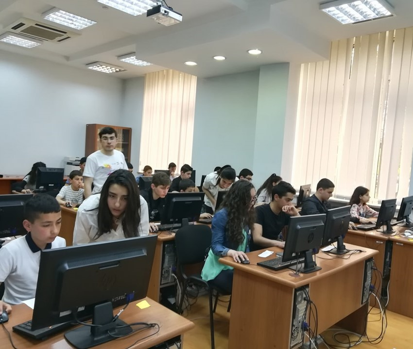 Կայացավ «ՈԶՆԻ 2018» ամենամյա դպրոցական համակարգչային մրցույթի II փուլը