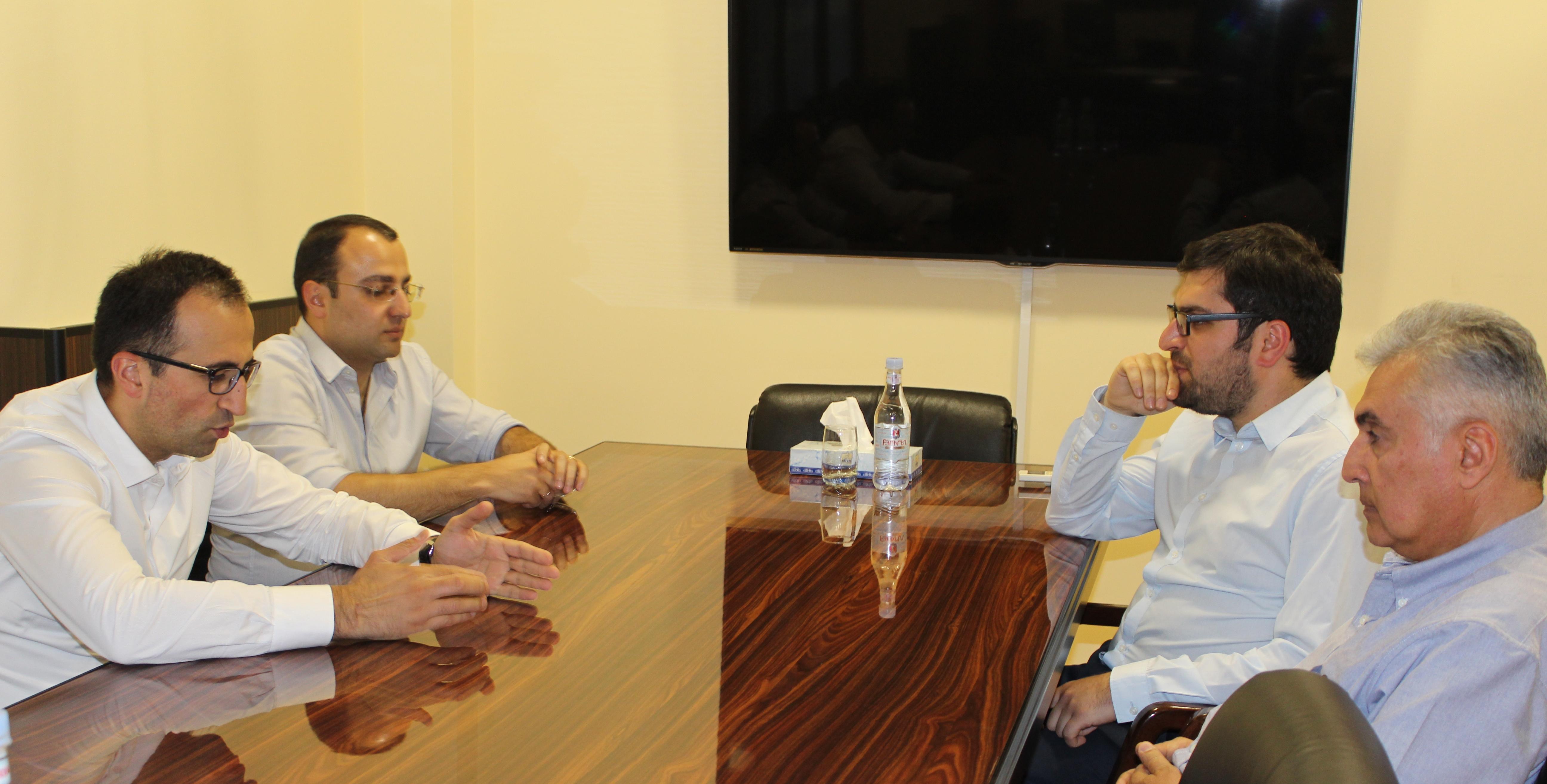 Արսեն Թորոսյանն ընդունել է ԱՆ նոր գլխավոր արյունաբան Սամվել Դանիելյանին