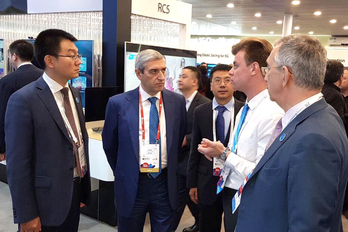 Վահան Մարտիրոսյանին ներկայացվել են «ZTE» ընկերության նոր լուծումներով հագեցած տեխնիկական հնարավորությունները