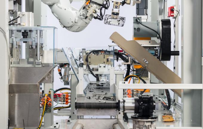 Apple-ի ռոբոտը մեկ ժամում 200 iPhone է «վերացնում»