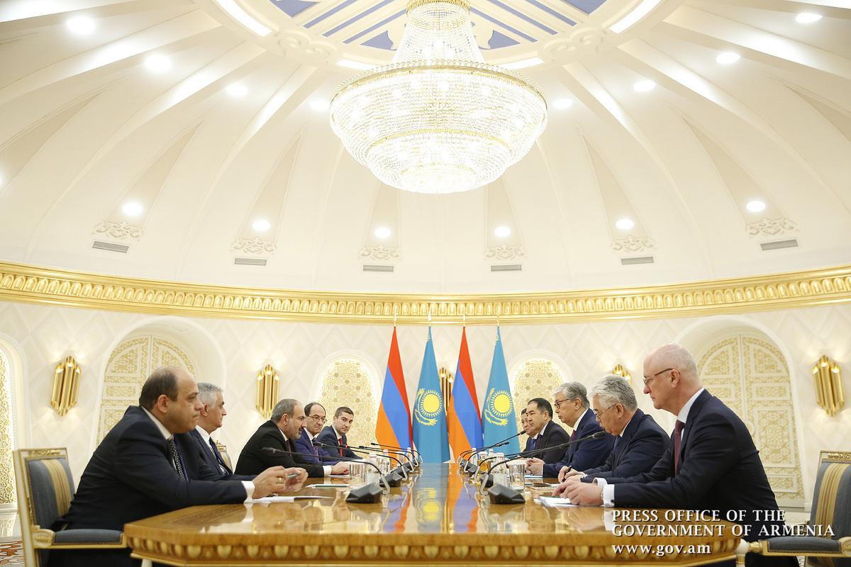 Հայաստանի վարչապետը և Ղազախստանի նախագահը քննարկել են երկկողմ հարաբերությունների զարգացման հարցեր