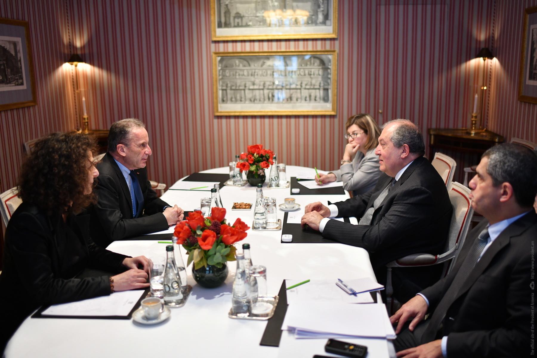 Այլընտրանքային էներգետիկան հեռանկարային ոլորտ է մեր երկրի համար. նախագահ Սարգսյանը շարունակում է հանդիպումները Ֆրանսիայի գործարար շրջանակների հետ