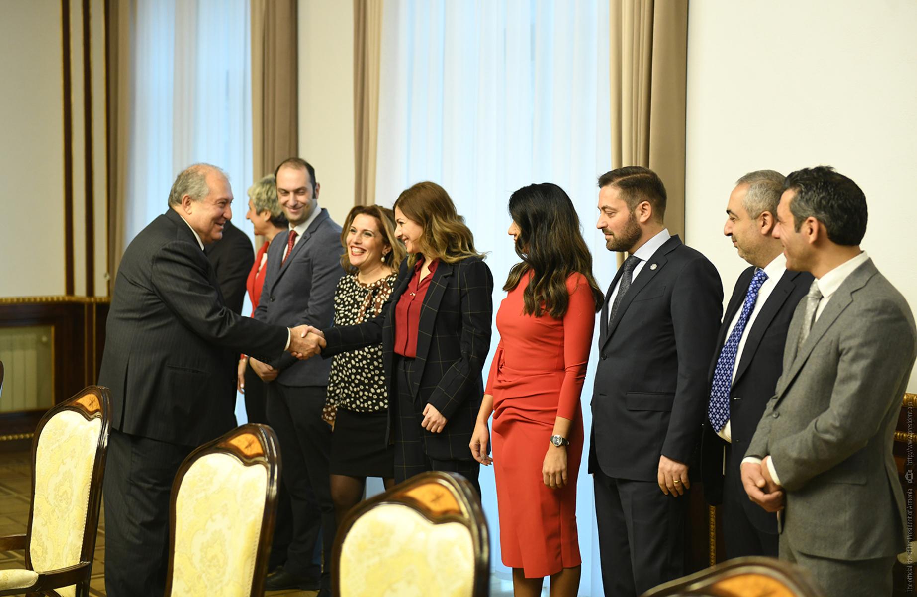 Նախագահ Արմեն Սարգսյանն ընդունել է Հայաստանում Ամերիկայի առևտրի պալատի ներկայացուցիչներին
