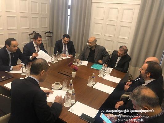 Սուրեն Պապիկյանը հանդիպել է Իրանի նավթի նախարարի հետ