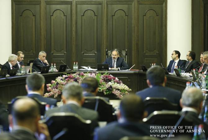 Կառավարությունն առաջարկեց Բաբկեն Թունյանի ներկայացրած նախագծի փոխարեն արագացված կարգով քննարկել ԱԺ-ում գտնվող գործադիրի նախաձեռնությունը