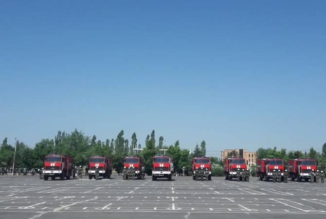 ԶՈՒ տեխնիկական բազան համալրվեց 16 հրշեջ մեքենաների առաջին խմբաքանակով