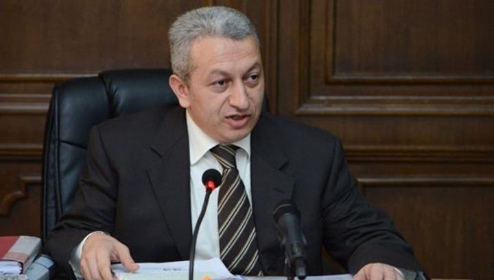 Փաստ. Ջանջուղազյանին պաշտոնից ազատելու հարցի քվեարկությունը զայրացրել է վարչապետին. նա նախարարի հետ կոպիտ խոսակցություն է ունեցել