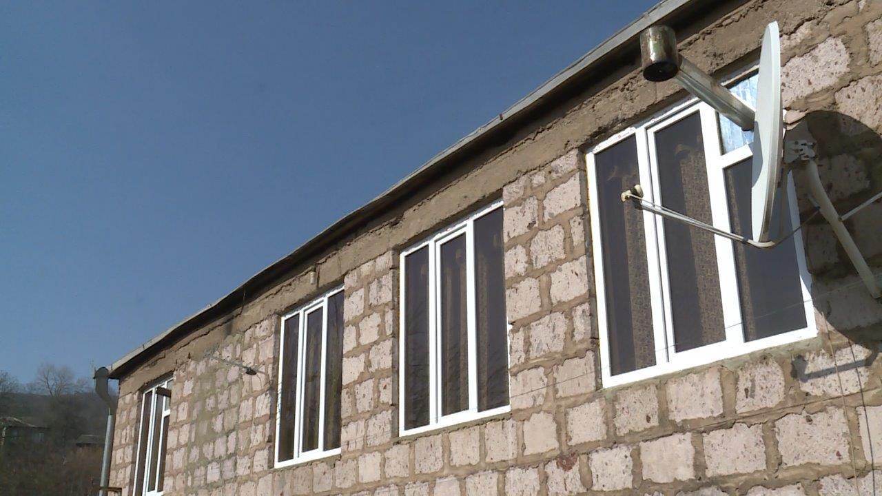 Վիվա-ՄՏՍ. Հիմքից ամրացված ու վերակառուցված տունը նաև ապաստարան ունի