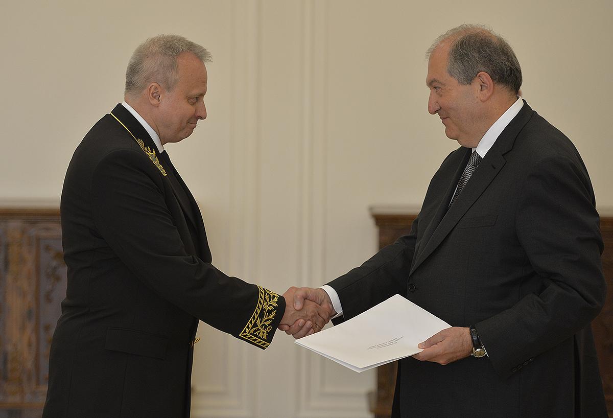 Նախագահ Արմեն Սարգսյանին հավատարմագրերն է հանձնել Հայաստանում Ռուսաստանի նորանշանակ դեսպանը