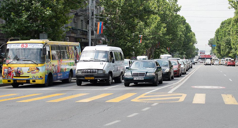 Ժողովուրդ. Վերջին երեք ամիսների ընթացքում մի քանի միկրոավտոբուսային և ավտոբուսային երթուղի է փակվել
