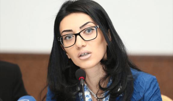 Արփինե Հովհաննիսյանը՝ ՀՀ բոլոր քաղաքացիներին հարկելու քաղաքականության մասին